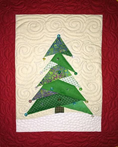 pattern for christmas tree quilt 15 free quilted gift patterns on craftsy