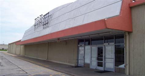 crafting a move hobby lobby mardel to occupy former