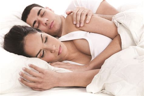 couple in bed snoring mouth guard chicago il snoring mouth guard di