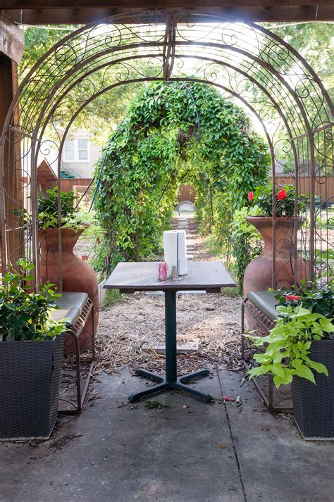 Garden Cafe Dallas by Guide To East Dallas Places To Live Things To Do