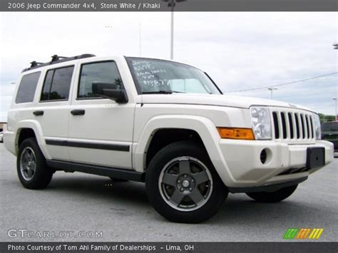 2006 Jeep Commander White White 2006 Jeep Commander 4x4 Khaki Interior