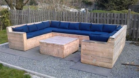 Cushions For Pallet Patio Furniture A Well Pallet Patio And Outdoor On Pinterest