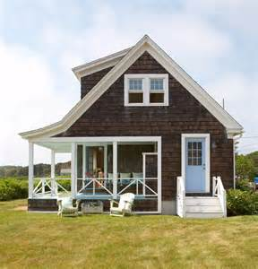 shingle style cottage plans what a lovely porch on this shingle style home learn more