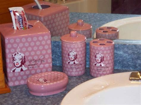 Marilyn Bathroom Sets by 1000 Ideas About Marilyn Room On