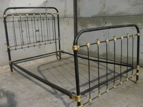 Antique Wrought Iron Bed Frames Cast Iron Frame Three Quarter Bed With Side Rails 153566 Sellingantiques Co Uk
