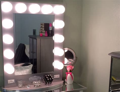 Vanity girl hollywood mirror amp mirrored vanity table youtube