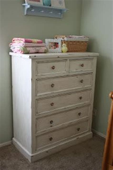 How To Sand And Stain A Dresser by The Pretty Poppy How To Refinish Furniture In A Vintage