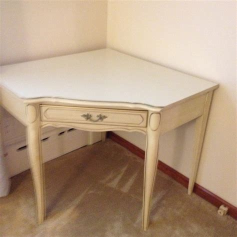antique white dresser with gold trim i have henry link french provincial antique white with
