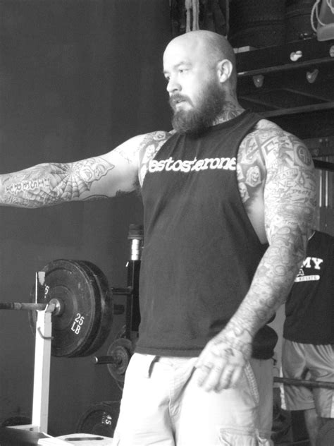rotator cuff injury from bench press 100 bench press pain workout mistakes the bench