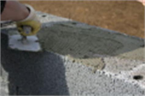kleber für dachpappe maurer beim aufbringen kleber f 195 188 r bims t plansteine