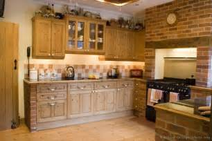 Kitchen Cupboard Ideas Country Kitchen Design Pictures And Decorating Ideas Smiuchin