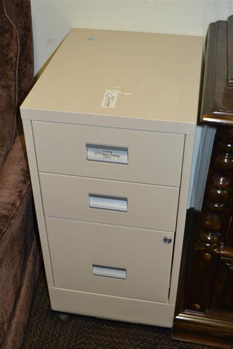 3 drawer rolling locking file cabinet