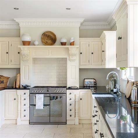 traditional kitchen  mantel  range cooker ideal home