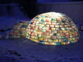 How To Build An Igloo In Your Backyard Man Builds Amazing Igloo Using Frozen Milk Cartons