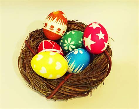 como pegar y decorar huevos de pascua decoracion de huevo de pascua finest with decoracion de
