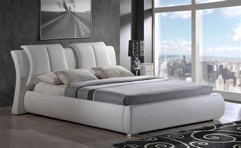 white leather king size bed artur king size 8269 w modern style leather white platform bed ebay