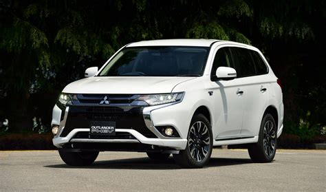 nissan outlander interior mitsubishi introduces 2017 outlander phev