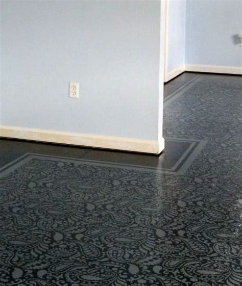 How To Paint Plywood Floors by Best 25 Stenciled Floor Ideas On