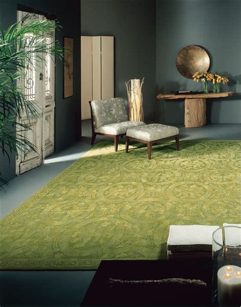 how to decorate green walls 15 fabulous interiors how to decorate with green rugs and