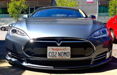 Tesla Plates Tesla Vanity Plates Are Just So Smug Thechive