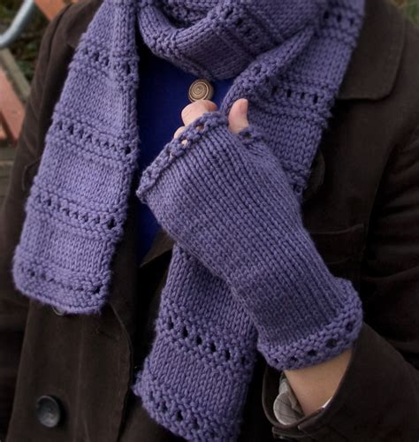 free knitting patterns for fingerless gloves knitting patterns galore montgomery fingerless mitts