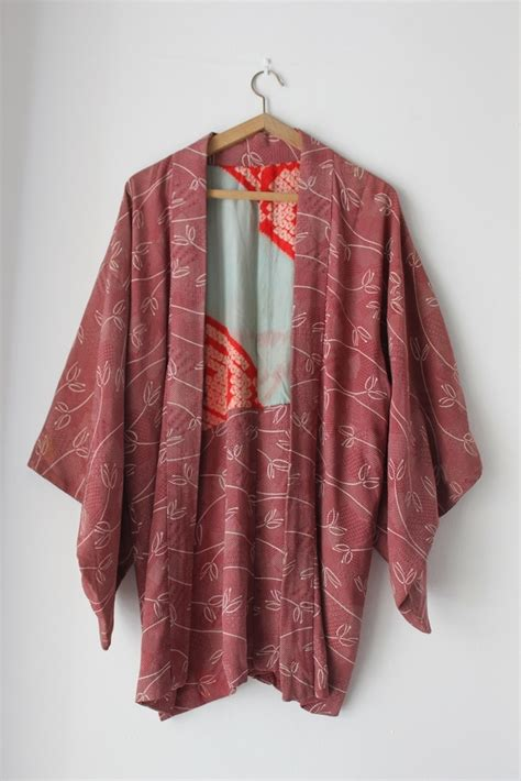 Kimono Outer haori is what the japanese wear as an outer wear on top of their kimono or yukata they are a lot
