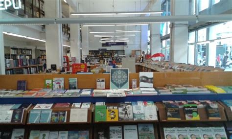 libreria hoepli interni libreria billede af libreria internazionale