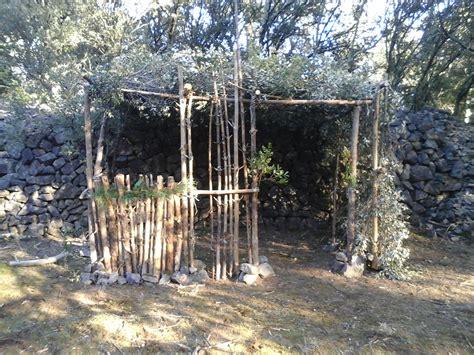Construire Une Cabane Avec Des Palettes by Comment Construire Une Cabane Avec Des Palettes Trendy Et