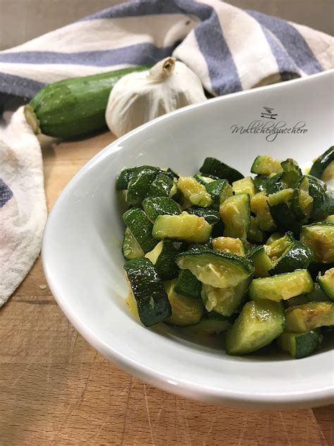 cucinare le zucchine in padella zucchine veloci in padella ricetta rapida