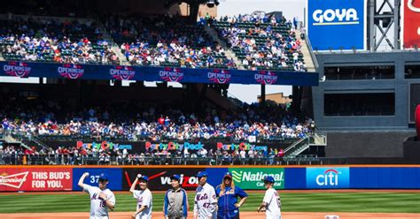 mets jacob degrom blank phillies in 2015 home opener