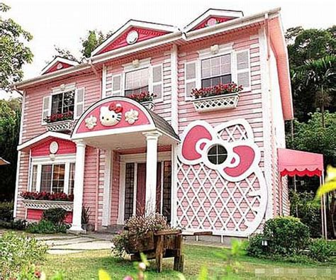hello kitty houses can i live in your hello kitty house pretty please