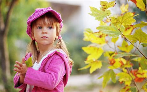 cute child cute child walking in autumn park wallpapers 2560x1600