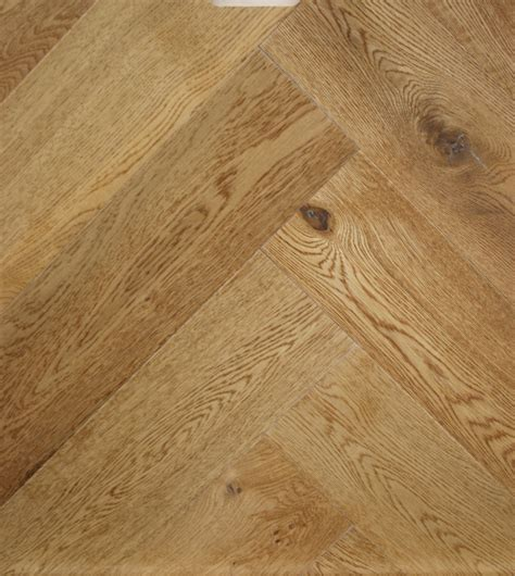 Toasted and sealed Engineered oak herringbone wood blocks