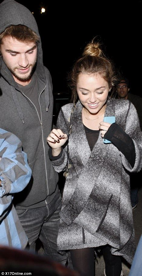 Mileys Parents Stay Together by Miley Cyrus Newz820