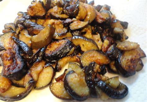 cuisiner des aubergines à la poele salade d aubergines choumicha cuisine marocaine