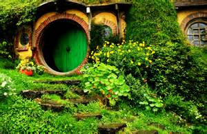 imagenes hermosas de nueva zelanda hobbiton in new zealand lovely place of hobbit houses