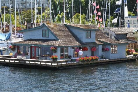 sleepless in seattle house quot sleepless in seattle houseboat quot sold for 2 million movin 92 5 seattle s 1 hit