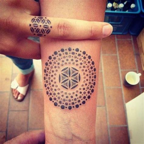 tattoo mandala finger tattoo wrist mandala tattoos pinterest mandalas