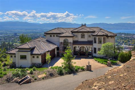 1113 Parkbluff Kelowna Luxury Home With Lakeview Kelowna Luxury Homes