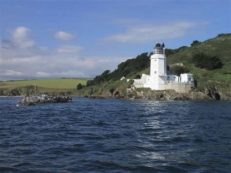can you stay at st anthony s lighthouse in cornwall