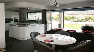 Round Dining Room Bi Fold Doors Folding Sliding Doors Aluminium Folding Doors