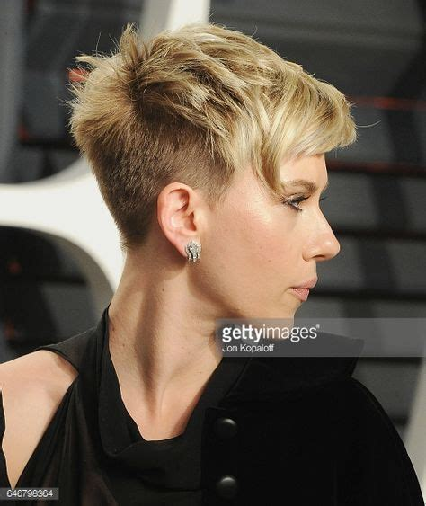 more proof scarlett johansson is perfect looking vanity fair 2685 best images about hair on pinterest short pixie