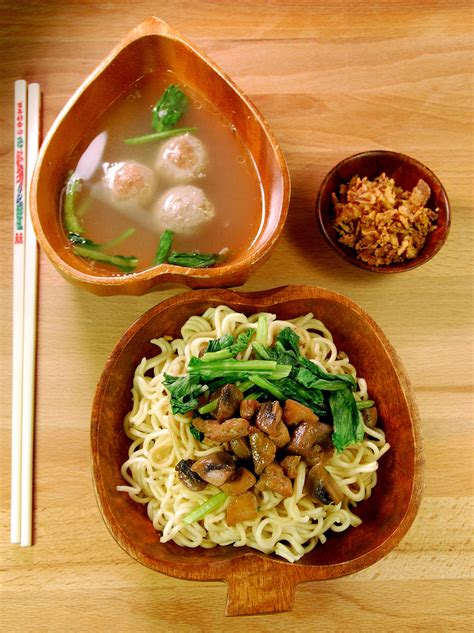 mie ayam jamur mushroom chicken noodle indonesian food most beautiful pictures of indonesia 90 photos