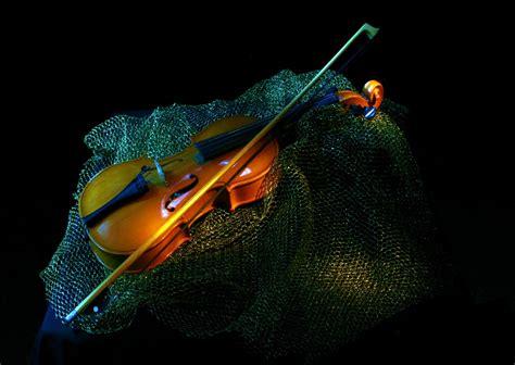 colorful violin wallpaper violin computer wallpapers desktop backgrounds 1280x910