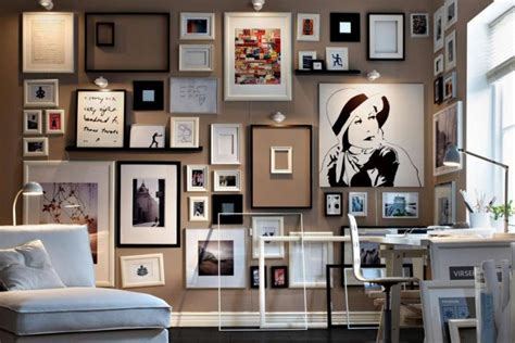 arredare pareti con quadri abbinare i colori dei quadri a pareti e arredo