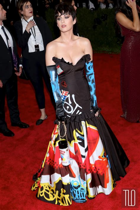 Moschino Kate Y met gala 2015 katy perry in moschino tom lorenzo