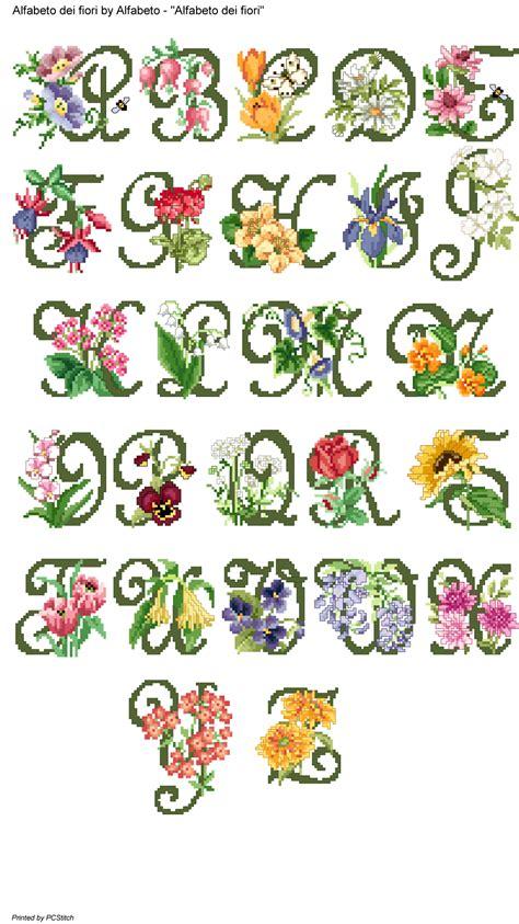 alfabeto dei fiori alfabeto dei fiori cross stitch alphabet