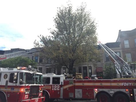 bed stuy fire bed stuy fire 100 bed stuy fire fire erupts on the roof of a