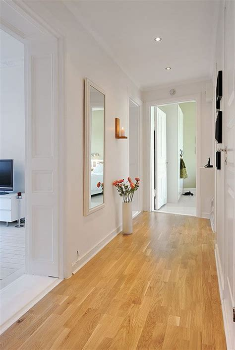 small halway decor idea narrow hallway decorating small