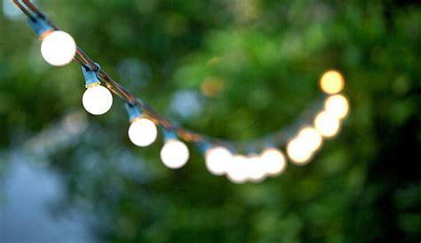 lichterkette garten sommer organisieren sie eine unvergessliche gartenparty im sommer